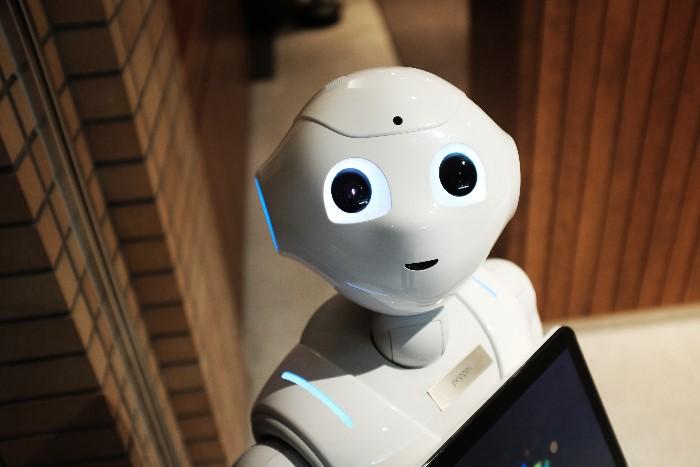 white-happy-robot.jpg